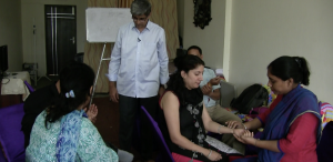Mahesh Krishnamurthy Teaching Nadi Pariksha Pulse Diagnosis